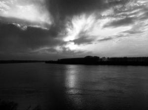 Giornata invernale sul Po - Immagine scattata a Corbola (Rovigo) - B/N -